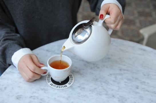 pouring tea seoul korean teacup teapot hands nailpolish cute cafe