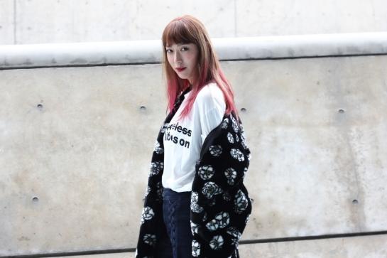 지현정 ji hyeon jeong model korean female director insite  onstyle pink hair fur jacket streetfashion streetstyle fashionable what to wear fashion week korea seoul